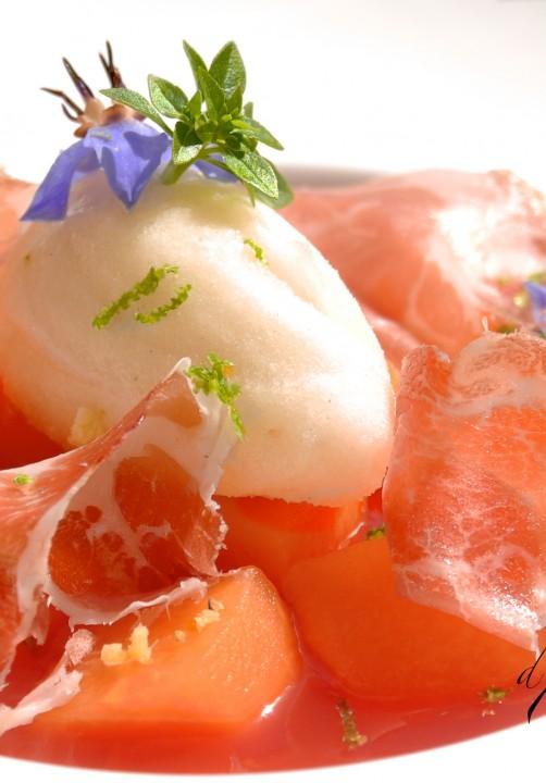 Melon en fine gelee de pasteque, sorbet miel et poivre
